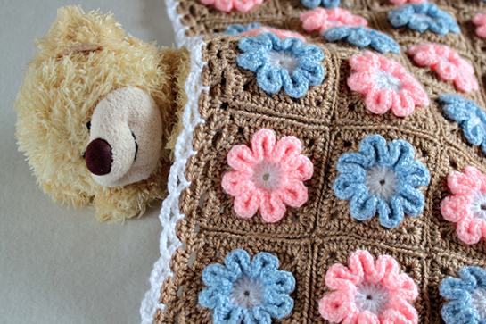 crochet-pattern-3D-flower-blanket