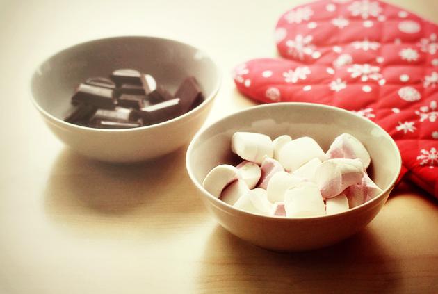 hot-cocoa-marshmallow-cookies-recipe