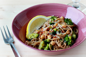 broccoli-chickpeas-and-garlic-whole-wheat-pasta-recipe