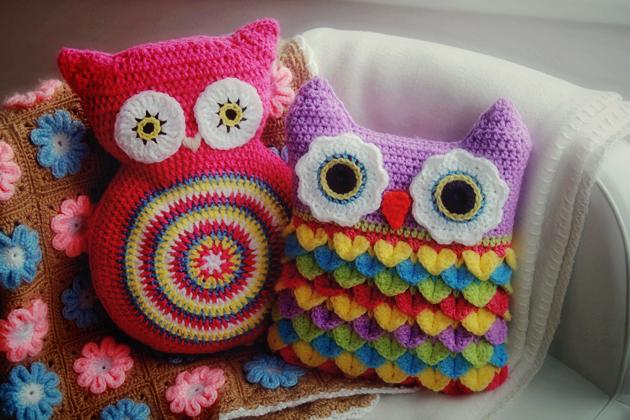crochet owl cushions hdr