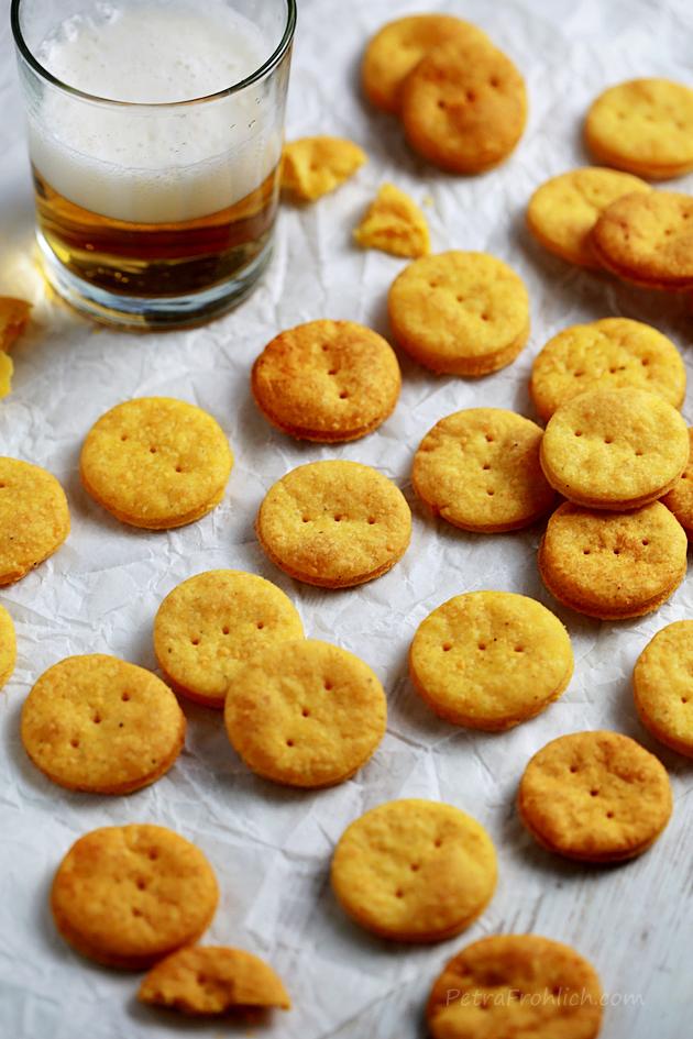 spicy cheddar crackers recipe