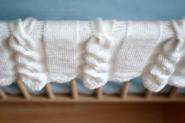 white knit cable baby blanket