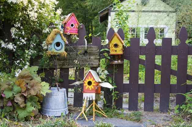 10 Cute And Cozy Birdhouse Projects To Fill Your Garden