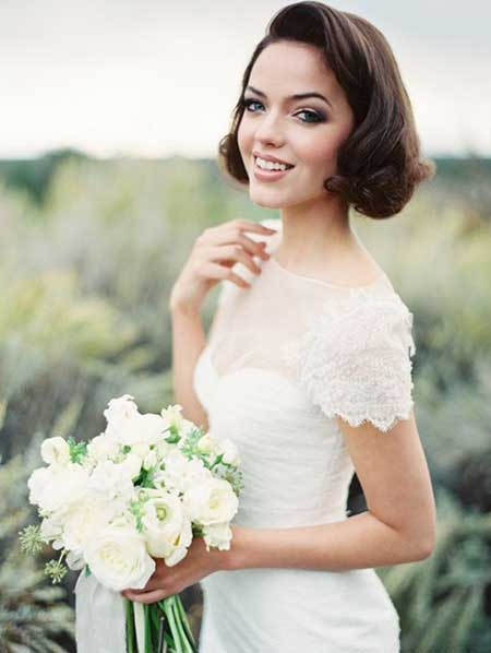 Top 30 Marvelous Hairstyles For Short Haired Brides - ZoomZee.org