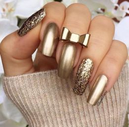 Chrome Nails Gold Design