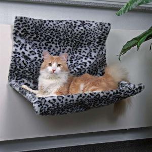 Гамак-лежак для кота на радиатор Trixie снежный леопард 58х30х38 см.