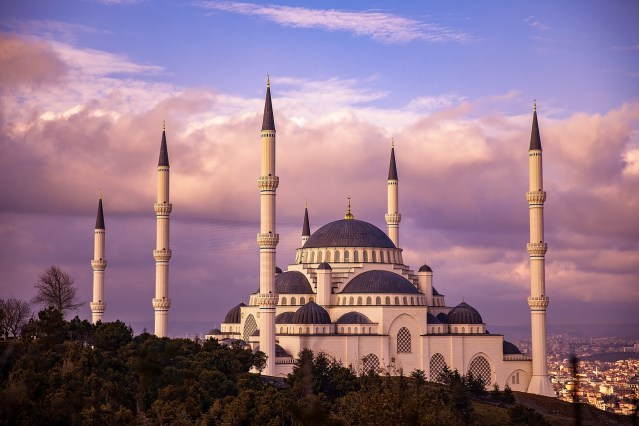 Mengenal Lebih Jauh Tentang Masjid Gedhe Kauman