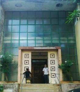 Entrance of the Alpaiwalla Museum