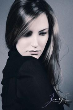 Effortless, Powerful, Classic: Beauty Portraiture (17)
