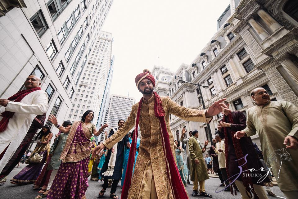 Phillyng in Love: Shruti + Milan = Indian Wedding by Zorz Studios (122)