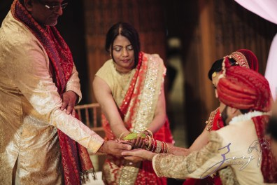 Phillyng in Love: Shruti + Milan = Indian Wedding by Zorz Studios (90)