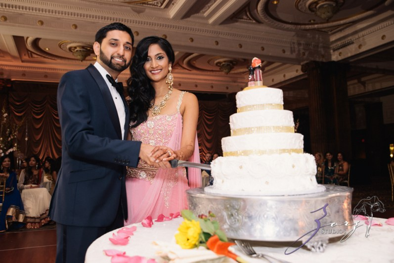 Phillyng in Love: Shruti + Milan = Indian Wedding by Zorz Studios (34)