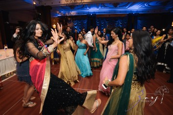 Phillyng in Love: Shruti + Milan = Indian Wedding by Zorz Studios (17)
