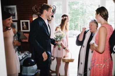 Wolke 9: Jana + David = German-American Rustic Wedding in Vermont by Zorz Studios (99)