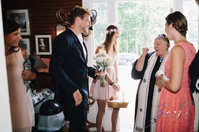 Wolke 9: Jana + David = German-American Rustic Wedding in Vermont by Zorz Studios (99)