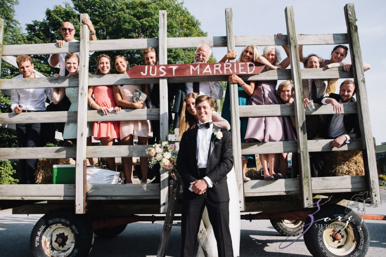 Wolke 9: Jana + David = German-American Rustic Wedding in Vermont by Zorz Studios (58)