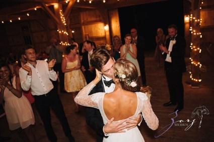Wolke 9: Jana + David = German-American Rustic Wedding in Vermont by Zorz Studios (22)