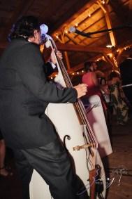Wolke 9: Jana + David = German-American Rustic Wedding in Vermont by Zorz Studios (20)