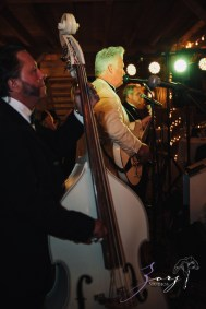 Wolke 9: Jana + David = German-American Rustic Wedding in Vermont by Zorz Studios (19)