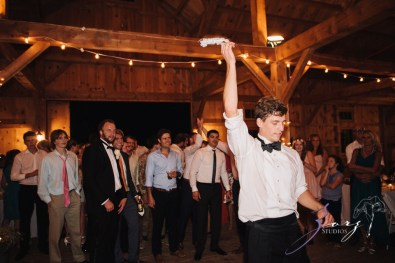 Wolke 9: Jana + David = German-American Rustic Wedding in Vermont by Zorz Studios (8)