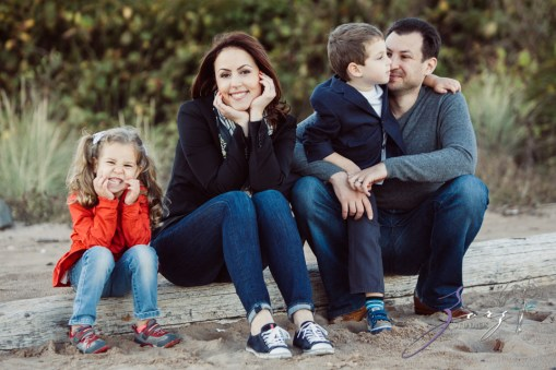 Double Shot: Family Portraits for a Fellow Photographer by Zorz Studios (15)