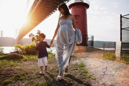 Cassis: Little Red Lighthouse Maternity Session by Zorz Studios (12)