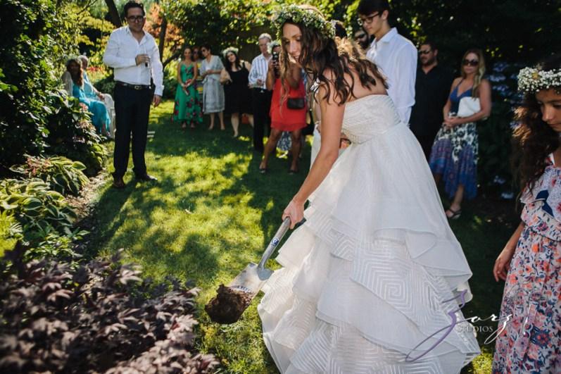Birth of Venus: Alexandra + Ricardo = Rustic Wedding by Zorz Studios (43)