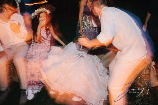 Birth of Venus: Alexandra + Ricardo = Rustic Wedding by Zorz Studios (6)