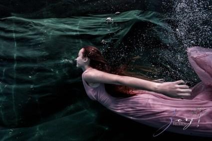 Sweetwater: Sweet 16 Underwater Photoshoot by Zorz Studios (28)