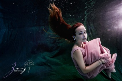 Sweetwater: Sweet 16 Underwater Photoshoot by Zorz Studios (15)