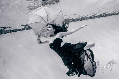 Sweetwater: Sweet 16 Underwater Photoshoot by Zorz Studios (8)