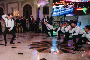 Shall We Dance? Esther + Bernie = Classy Wedding by Zorz Studios (17)