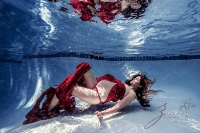 Ad Vitam: Underwater Maternity Session by Zorz Studios (12)