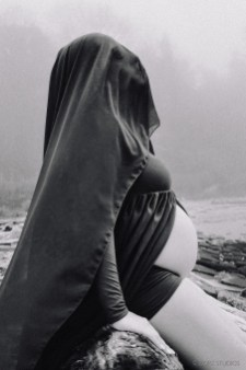Creative Maternity and Pregnancy Photos in New York and Worldwide (54)