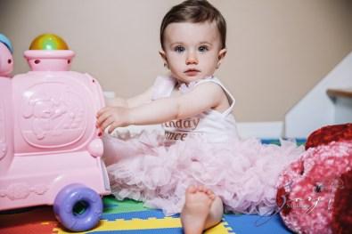 Big Eyes: Adorable Baby Girl Photoshoot by Zorz Studios (19)