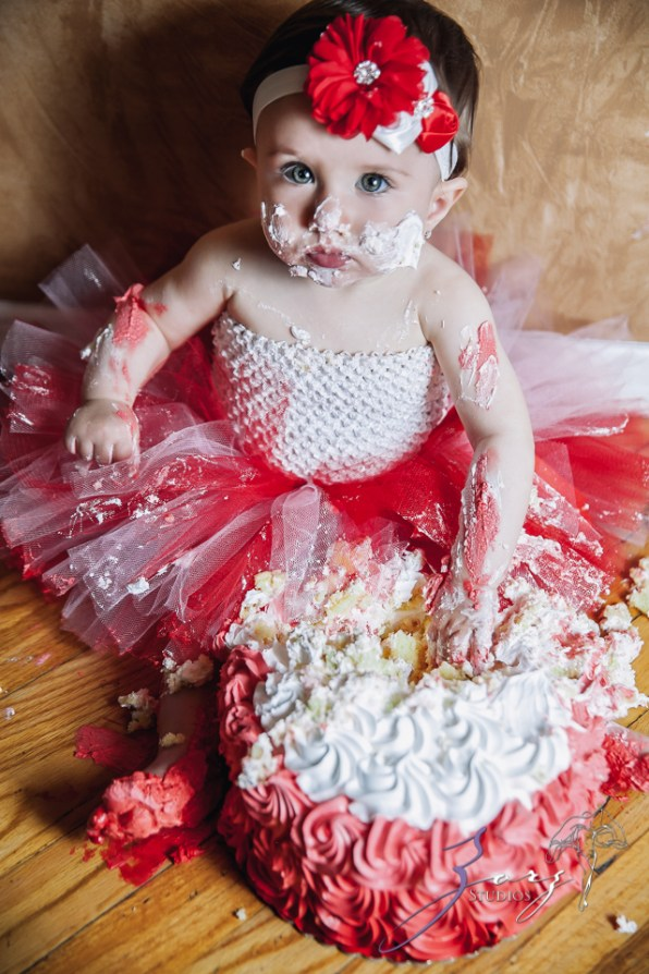 Big Eyes: Adorable Baby Girl Photoshoot by Zorz Studios (15)