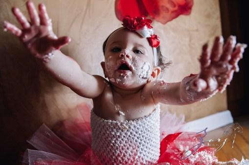 Big Eyes: Adorable Baby Girl Photoshoot by Zorz Studios (12)