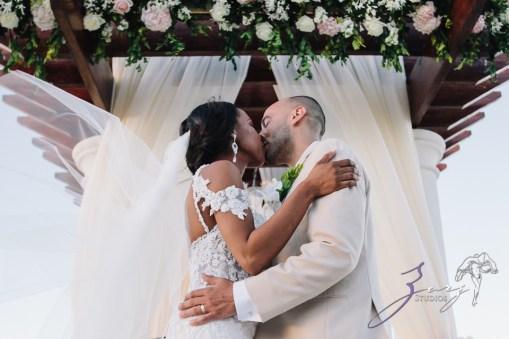Bell Hunters: Stephanie + Josh = Dominican Republic Wedding by Zorz Studios (39)