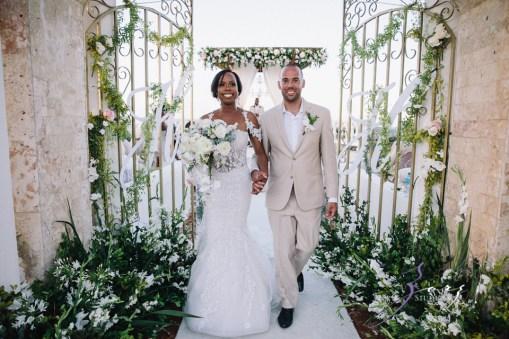 Bell Hunters: Stephanie + Josh = Dominican Republic Wedding by Zorz Studios (38)