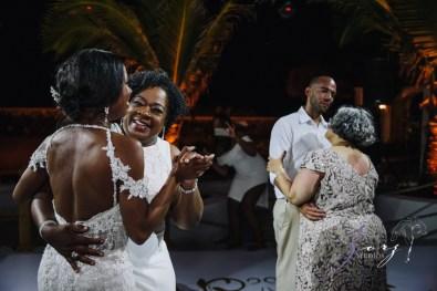 Bell Hunters: Stephanie + Josh = Dominican Republic Wedding by Zorz Studios (16)