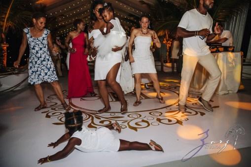 Bell Hunters: Stephanie + Josh = Dominican Republic Wedding by Zorz Studios (12)