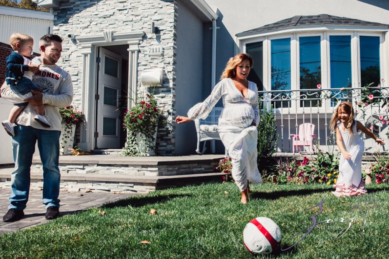 Cuatro+: Whimsical Family Maternity Session by Zorz Studios (25)