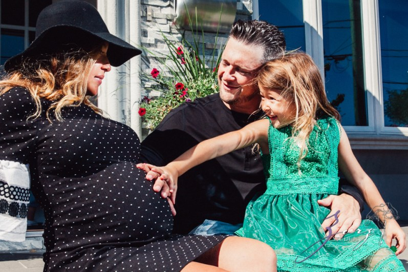 Cuatro+: Whimsical Family Maternity Session by Zorz Studios (4)
