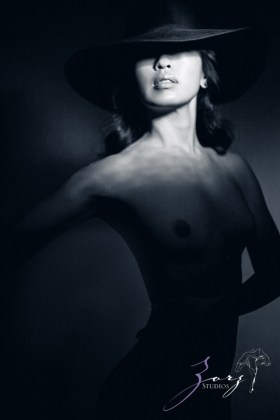 Consensual: Bold and Refined New York Boudoir Photography by Zorz Studios (19)