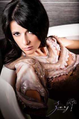 Cover Girl: Eerily Beautiful Photoshoot with Octopus by Zorz Studios (12)