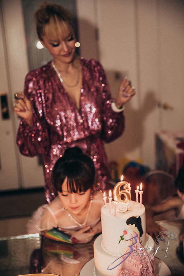 Cosmo: Mother-Daughter Cosmopolitan Birthday Party by Zorz Studios (15)