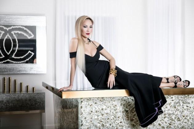 High Glass: Beauty of Lillian Gorbachincky of Cosmopolitan Glass, Squared | Zorz Studios (18)