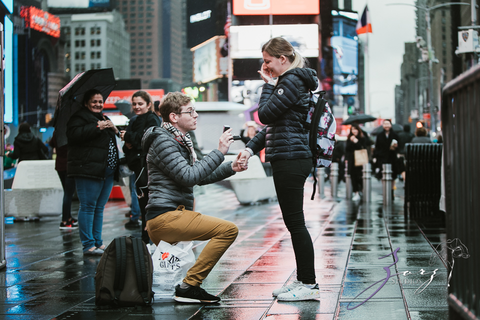Trop Précieux: Frenchman's Marriage Proposal on Times Square by Zorz Studios (34)