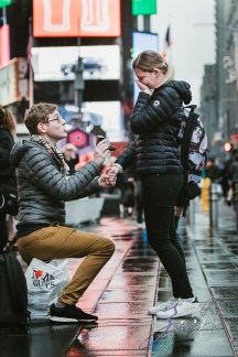 Trop Précieux: Frenchman's Marriage Proposal on Times Square by Zorz Studios (33)