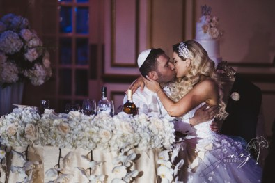 Bubbly: Karina + Alex = Crystal Plaza Wedding by Zorz Studios (6)